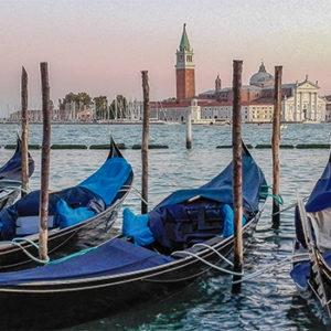 Los pintores venecianos del siglo XVI coincidieron en un interés por el trabajo con la luz y el color para la captación de la verosimilitud, la expresión anímica y la narración de historias. Los atardeceres en el Gran Canal fueron motivo de inspiración para muchos de ellos.